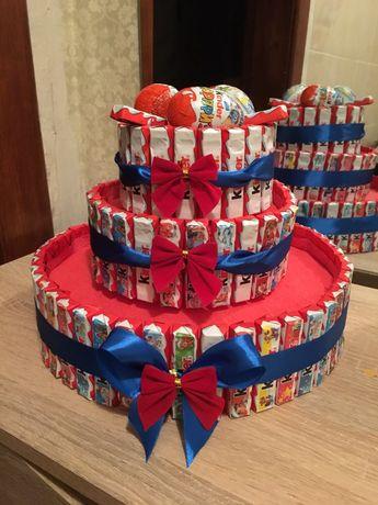 Торт с киндеров, сладкий букет, коробка, подарок, сладости