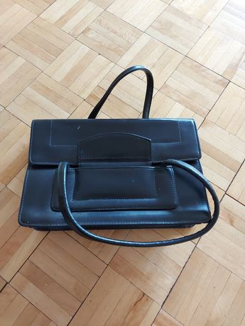 Damską czarna torebka