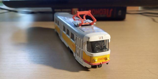 Трамвай игрушка  1/87