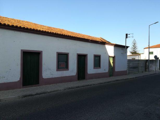 Moradia T5 Para obras centro Cartaxo 4. 000m2