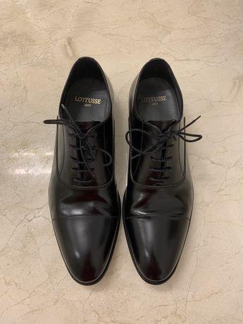 Sapatos preto em pele Lottusse