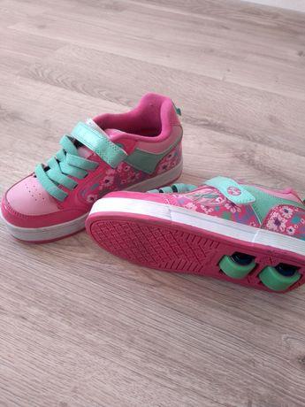 Buty dziewczęce na kółkach