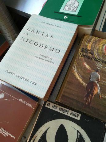 Vários livros, usados