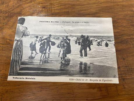 Postal ano 1900 circulado, Figueira da Foz na praia o banho
