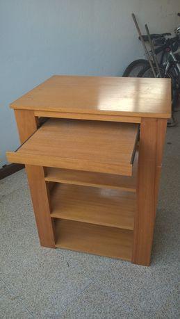 Secretaria em madeira quadrada