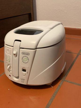 Fritadeira de marca DéLonghi