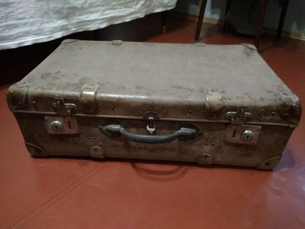 Немецкий раритетный чемодан военных времен