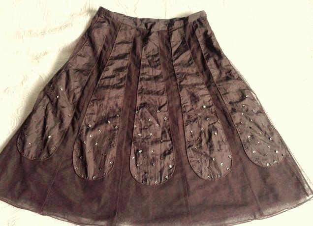 Brązowa spódnica z cekinami- kwiat:)