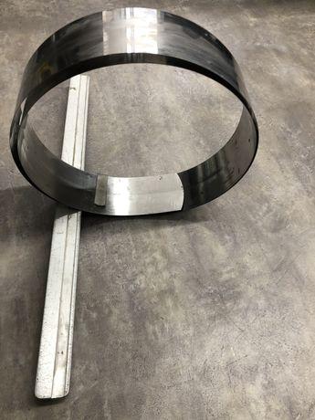 Liniał zwijany ze stali z zakończeniem w kształcie litery T
