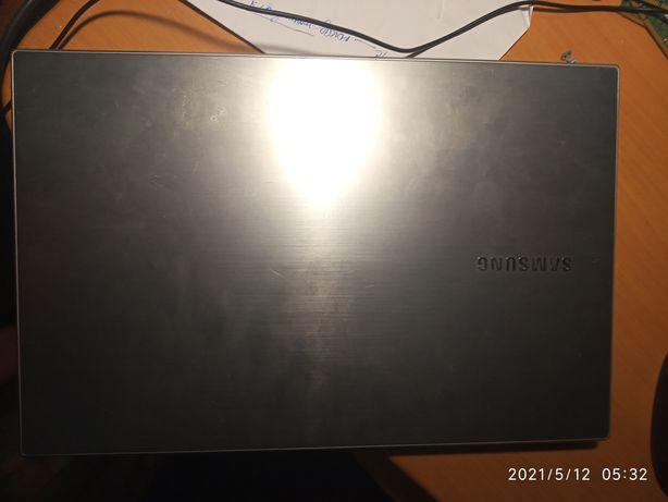 Samsung NP305V5Z