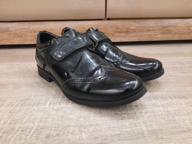 Туфли кожание, лаковые