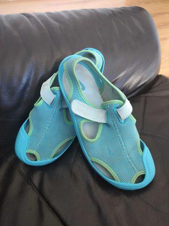 Błękitne sandały Nike roz 35