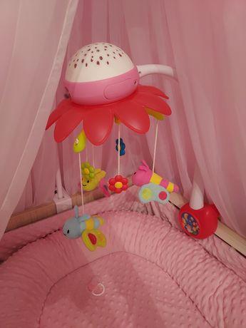 Karuzela z projektorem do łóżeczka dla dziewczynki Smoby