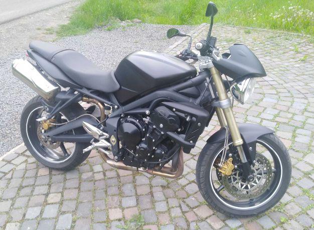 Продам мотоцикл Triumph Street Triple 675.