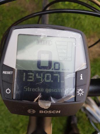 Sprzedam oryginalne rowerek Giant elektryczny Boscha przebieg 1300 pry