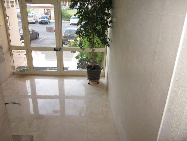 Limpeza dos Condominios / Escadas