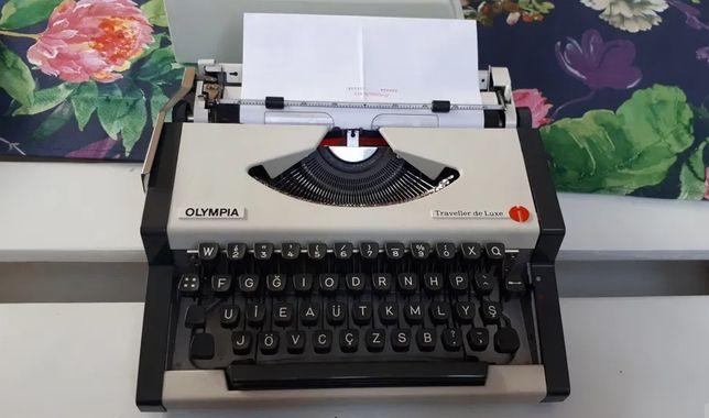 Maszyna do pisania OLYMPIA de Luxe