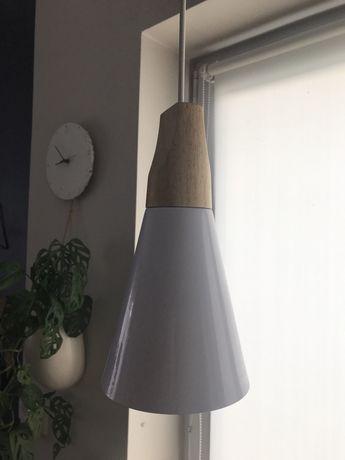 Dwie lampy biel drewno
