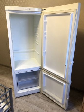 Холодильник «Самсунг « б/у