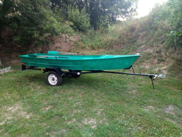 Лодка гребно-моторная