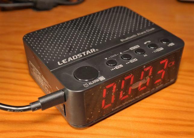 Despertador com Bluetooth, 3,5mm, slot micro SD e bateria