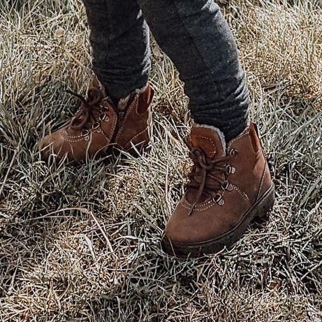 Zimowe buty dziecięce Zara r.23 ocieplane