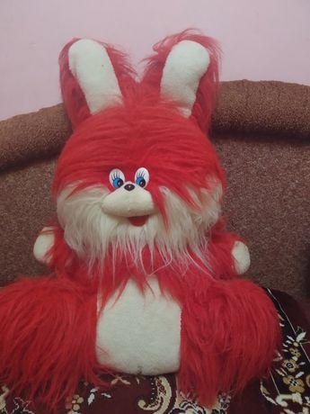 Большая игрушка заяц