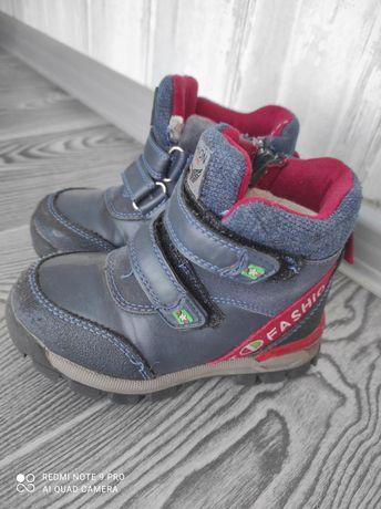 Ботинки зимние 25 размер
