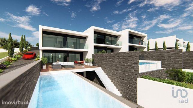 Terreno - 1435 m²