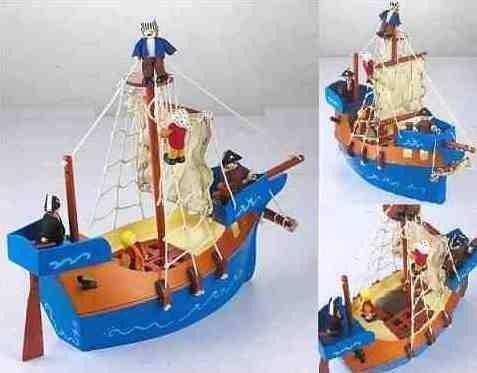 statek piracki mały