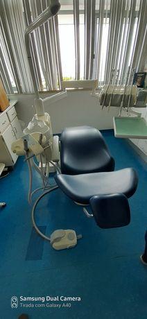 Reparação e manutenção de cadeiras dentárias