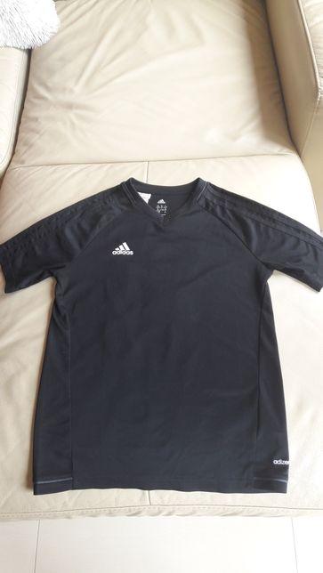 Koszulka sportowa Adidas.
