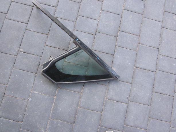 Peugot 2008 szyba trójkąt