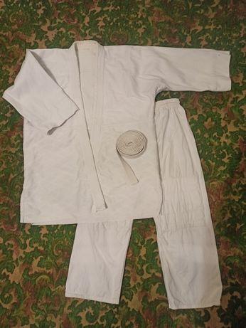 Кимоно для единоборств с поясом