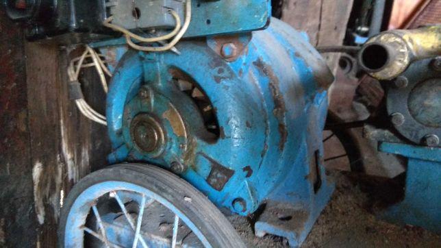 Электро двигатель / мотор. Электро насос. Использовался для полива.