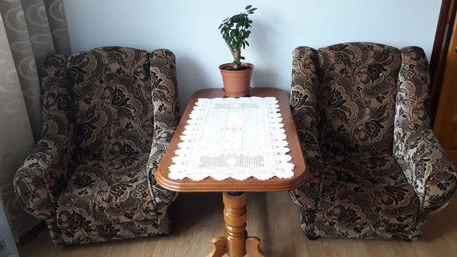 Dwa fotele malo użytkowane