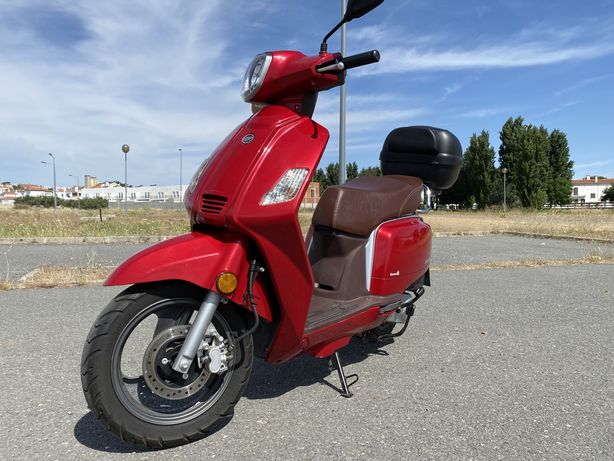 Vendo keeway 50 cc / poucos kms