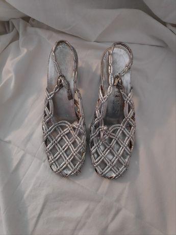 Skórzane srebrne sandały