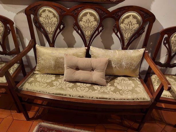 Conjunto de canapé e cadeira totalmente restaurado
