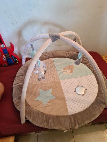 Parque redondo de bebé