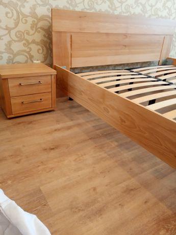 Кровать и тумбочки из бука