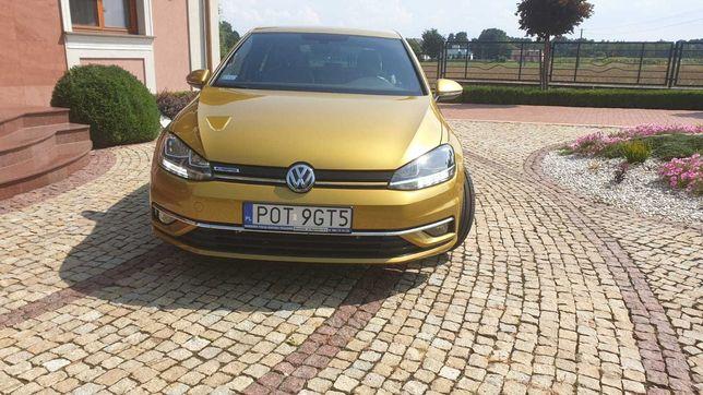 samochód osobowy  VW Golf