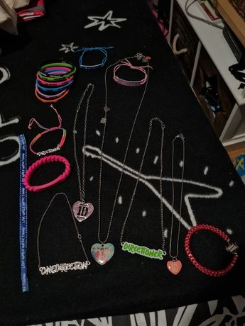 Colares e pulseiras dos One Direction