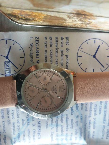 Piękny zegarek Casio 2 lata gwarancji