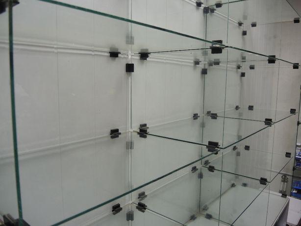 Горка стеллаж стеклянная выставочная , стекла закаленные с фурнитурой.