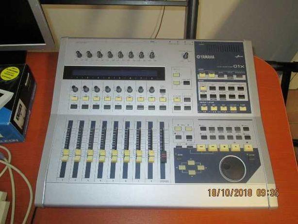 Mesa de mistura digital Yamaha 01X