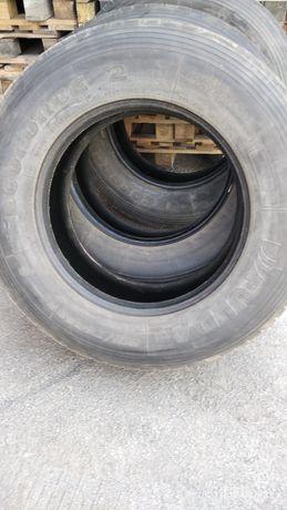 Вантажна шина TIR