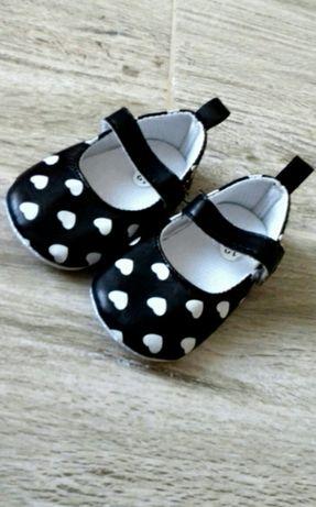 NOWE Buciki buty niemowlęce antypoślizgowe niechodki