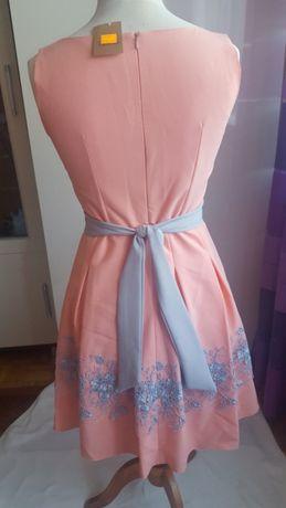Sukienka kolor łososiowy