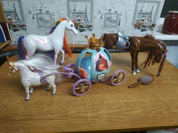 Продам игрушки -лошади